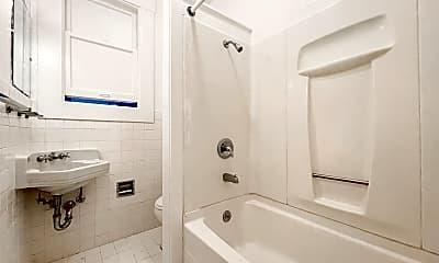 Bathroom, 2306 Union St, 2