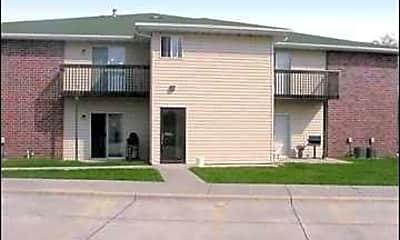 Building, Riverroad Apartments, 2