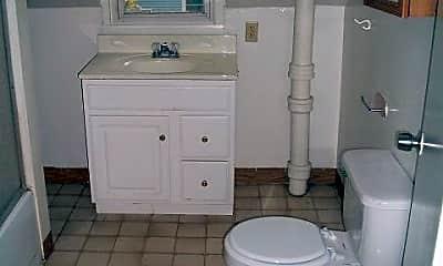 Bathroom, 355 Roberts St, 2