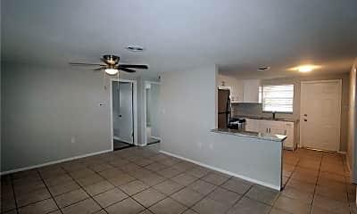 Living Room, 607 Osceola Rd 4, 1