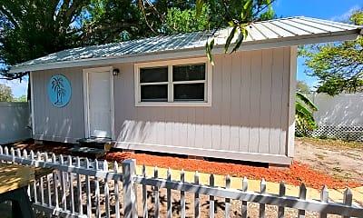 Patio / Deck, 3005 Hawthorne St, 1