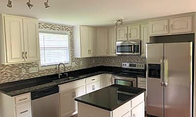 Kitchen, 15210 Hus McGinnis Rd, 1