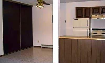 Oak Garden Apartments, 1