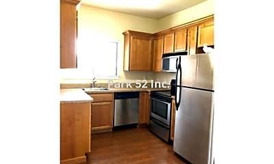 Kitchen, 401 N M St, 1