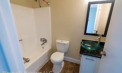 Bathroom, 700 S Berendo St, 2