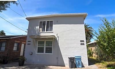 Building, 2644 Acton St, 2