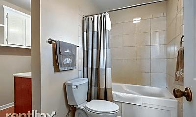 Bathroom, 5650 Hempstead Rd, 2