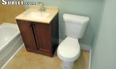 Bathroom, 1906 R St NW, 2