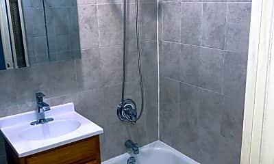 Bathroom, 129 Kingston Ave 2, 2