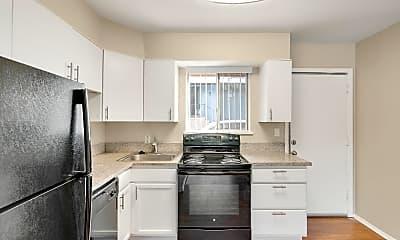 Kitchen, 120 E Grace Pl, 1