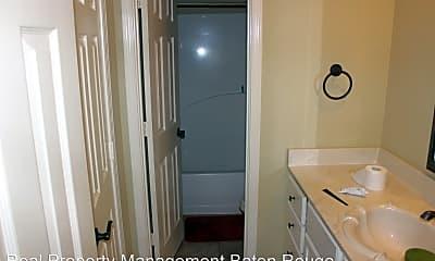 Bathroom, 37142 Woodgate Ave, 1