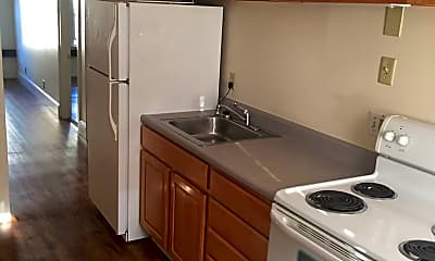 Kitchen, 138 Elliot St, 1