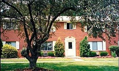 Gahanna Manor, 0
