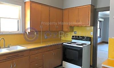 Kitchen, 2033 Barrows St, 1