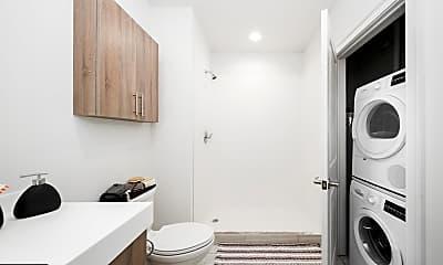 Bathroom, 218 Arch St, 2