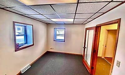 Building, 1000 Oregon St, 1