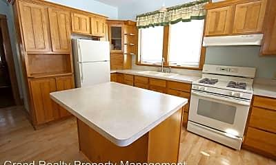 Kitchen, 454 Herschel St, 1