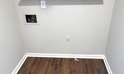 Bedroom, 305 Salem St, 2