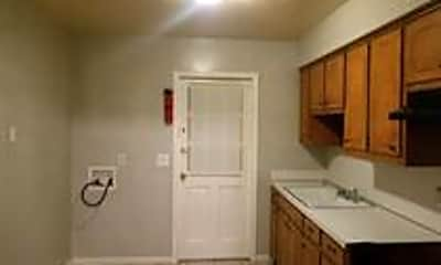 Kitchen, 939 Pembrook Dr, 0