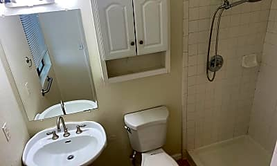 Bathroom, 1515 Sunnyvale Ave, 2