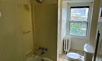 Bathroom, 733 N 26th St, 1