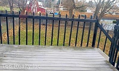 Patio / Deck, 1014 N Best Rd, 2