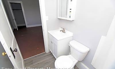 Bathroom, 730 2nd Ave E, 2