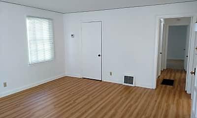 Bedroom, 546 S 5th St, 1