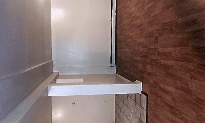 Bathroom, 15 Oak Pl, 2