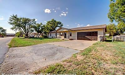 Building, 8313 E 133rd St S, 1