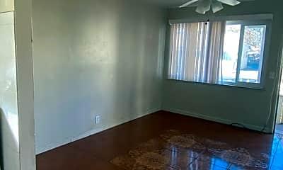 Living Room, 640 Buckeye St, 1