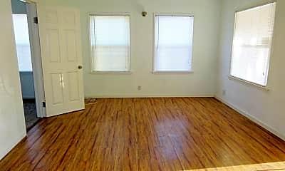 Living Room, 1604 Hurrle Ave, 1