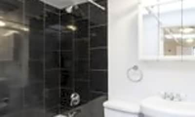 Bathroom, 90 Chambers St, 2