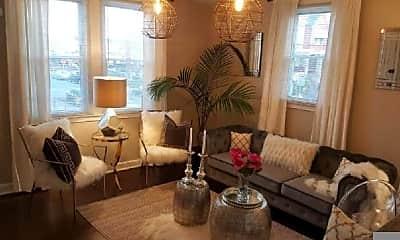 Living Room, 4560 Vista St, 2