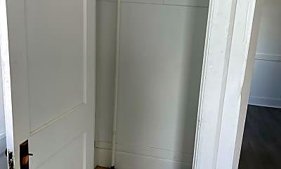 Bathroom, 907 Main St, 0