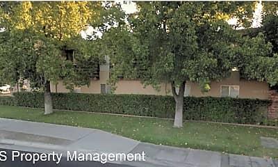 Building, 110 E Grove St, 1