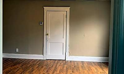 Bedroom, 521 Dexter St, 2