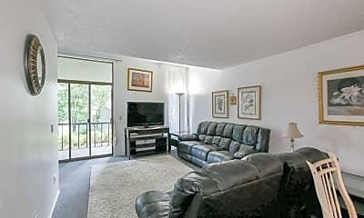 Living Room, 13838 NE 60th St, 2