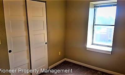 Bedroom, 104 N. Krohn, 2