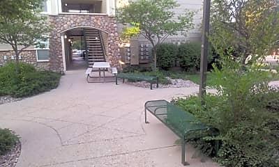 Rams Park Apartments, 2