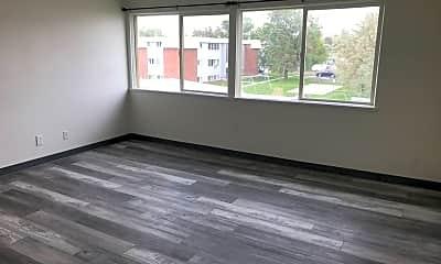 Living Room, 915 Walnut St, 1