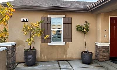 Building, 823 N Elderwood St, 1