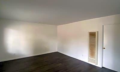 Living Room, 15735 Blaine Ave, 1