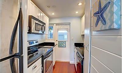 Kitchen, 303 Gleason St, 1