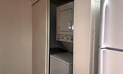 Kitchen, 2050 Nuuanu Ave, 2