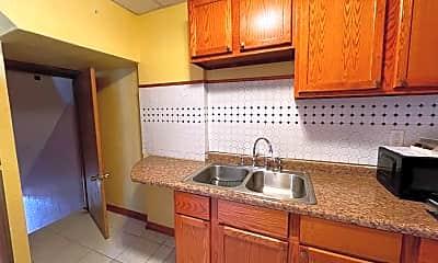 Kitchen, 420 Oaklawn Ave, 1