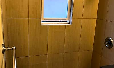 Bathroom, 401 Ash St., 2
