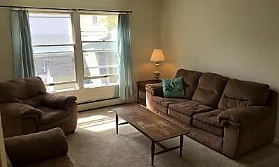Living Room, 117 Oak Ave, 0