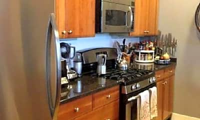 Kitchen, 725 N Aberdeen St, 2