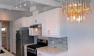 Kitchen, 1710 Esplanade F, 1